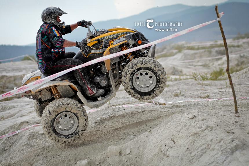 Fotografie sportiva ATV Motocros Jeep